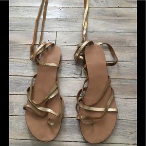 Splendid gold leather gladiator sandals